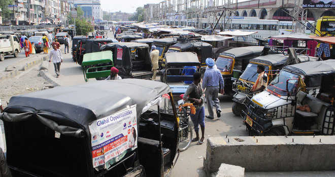 Residents for stern action against unrestricted autos