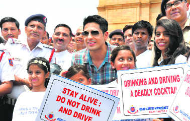 Drinking and driving, playing with life: Sidharth Malhotra