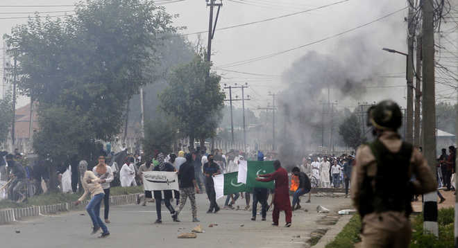 Clashes erupt in Valley after Eid prayers