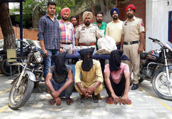 Gang of snatchers busted, three arrested
