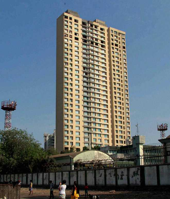 Defence Ministry probe names 2 former army chiefs in Adarsh scam