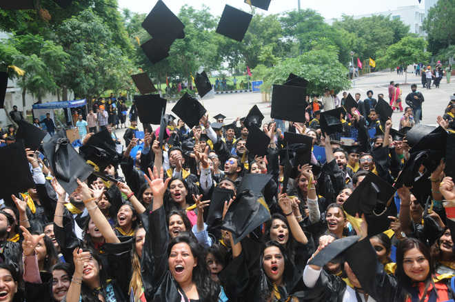 Over 1,400 CGC students get degrees