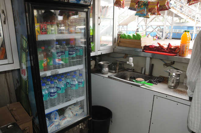 Rail Neer unavailable, passengers get water of suspicious brands