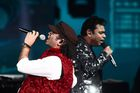 Bollywood music composer/singer AR Rahman (R) and singer Mohit Chauhan perform on stage during IIFA Rocks, part of the 18th International Indian Film Academy (IIFA) Festival, on early July 15, 2017, at the MetLife Stadium in East Rutherford, New Jersey. / AFP photo