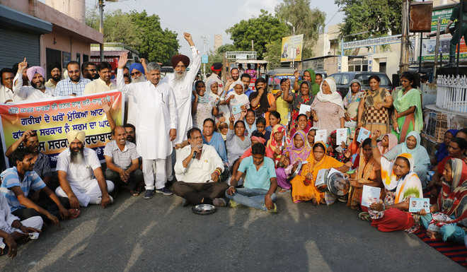 SAD-BJP stages protest as wheat distribution halted by admn