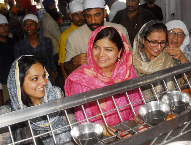 BJYM chief at Golden Temple