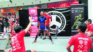 Amitabh wins gold in powerlifting