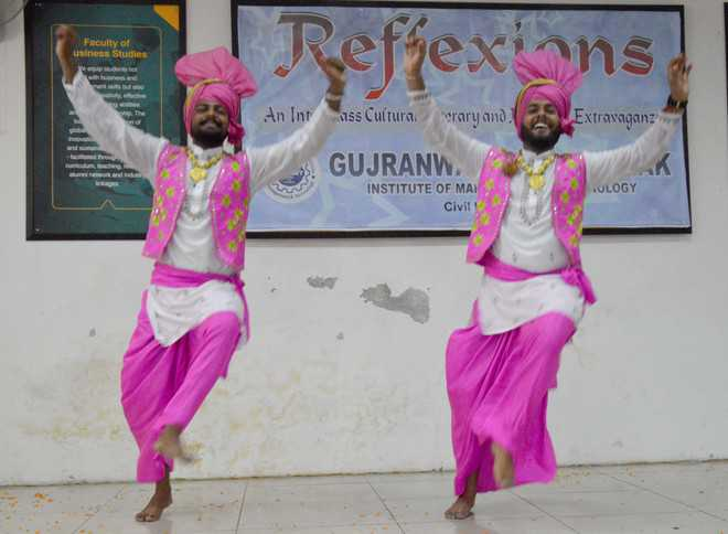 'Reflexions' end at GGNIMT, students show  various skills