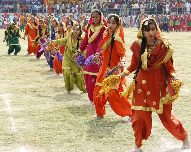 Admn, institutions celebrate Independence Day