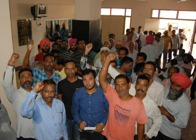 Massive protest at GMC over delay in salaries