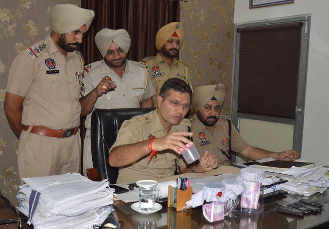 Police crack down on snatchers; 6 held