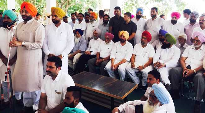 Issues concerning debts ignored by Badals, says Bittu