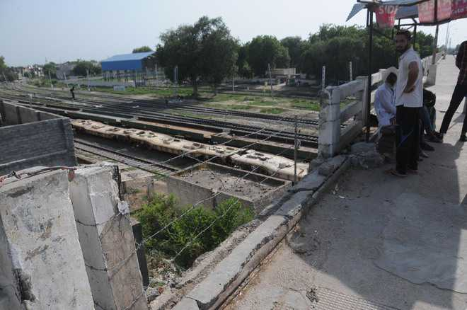 Multania flyover cries for upkeep