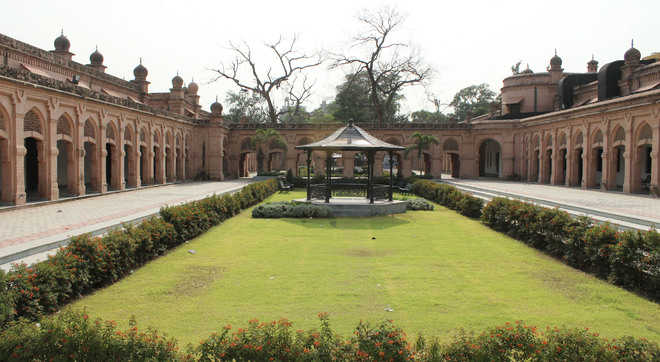 Residents want revival of  Urban Haat project in city
