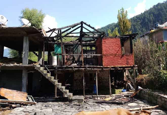 Man dies as house catches fire