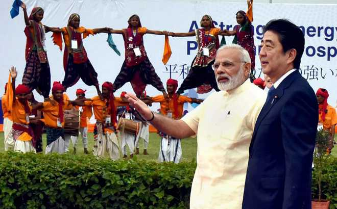 Cong wonders why Abe being hosted in Gujarat and not in Delhi