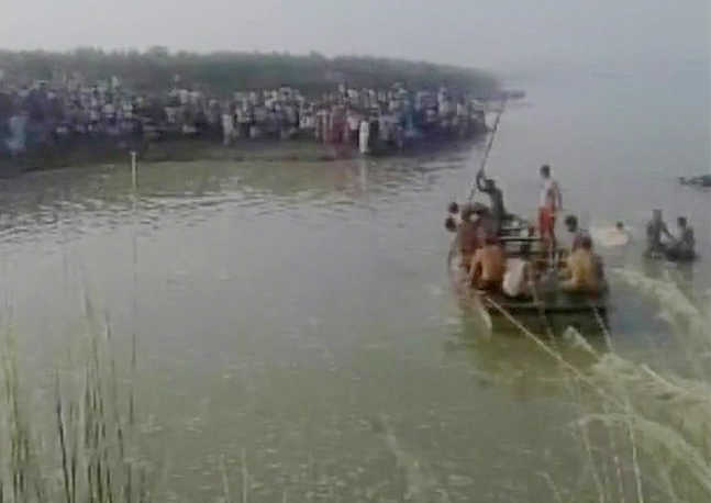 UP: 22 drown, many missing as boat capsizes in Yamuna