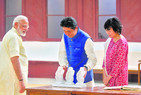 Modi, Abe hold road show of bonhomie