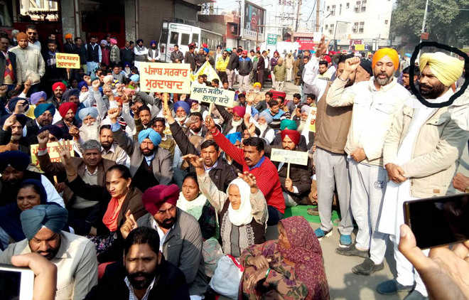 Akali leader at sit-in, but cops fail to nab him