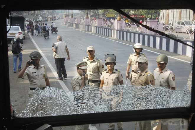 Maharashtra interrupted, boy dies in bandh violence