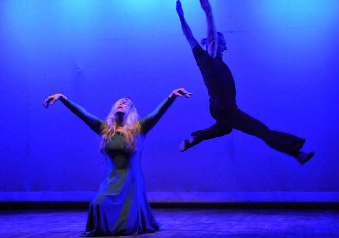 Internationally acclaimed dancers mesmerise