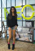 Selena Gomez` mother advised her not to work with Woody Allen