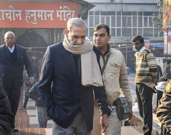 A day after conviction, Sajjan Kumar resigns from Congress