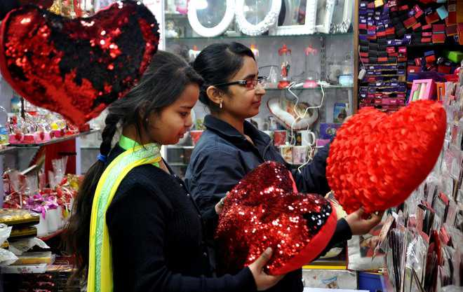 City residents gear up to celebrate Valentine's Day