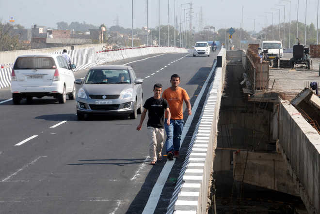 Overbridge opens, accident on Day 1