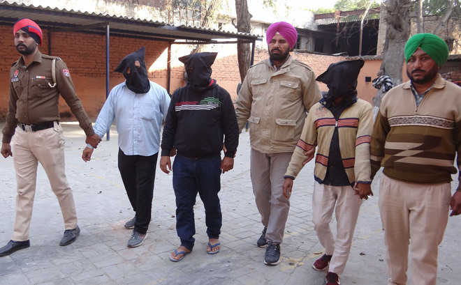 Gang furnishing fake bail bonds busted, 3 held