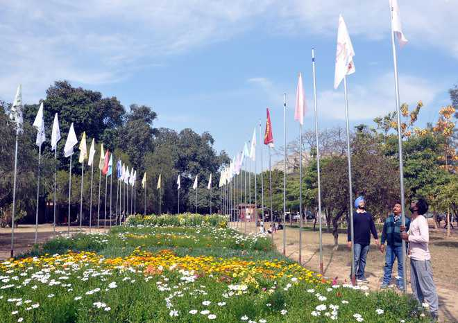 GNDU installs flags of affiliated colleges