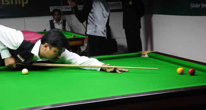 Youngster Sachdev downs seasoned Alok to enter round 2