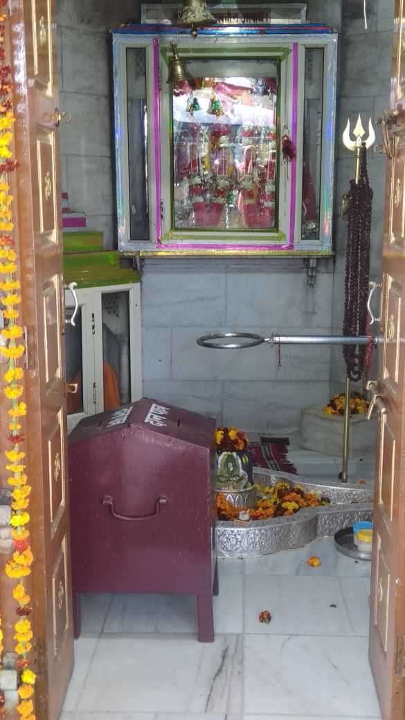 Thieves steal idols, jewellery worth lakhs from Saketri temple
