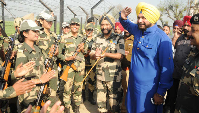 Sidhu lauds gritty BSF eves