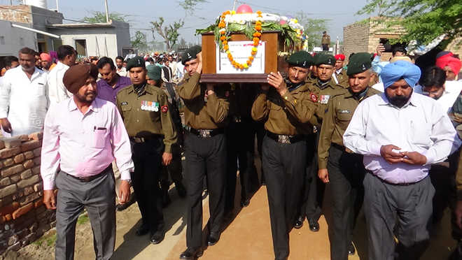 Fazilka sepoy cremated, kin seek govt job