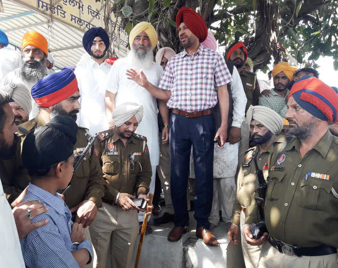 Villagers oppose gurdwara takeover; 6 injured in firing