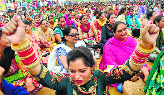 Teachers up in arms against govt