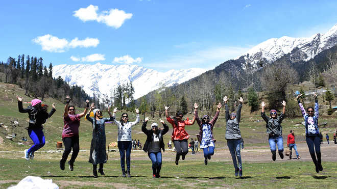 Tourist footfall goes up, Manali hoteliers elated