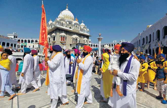 Spat over Sikh pilgrims, India protests