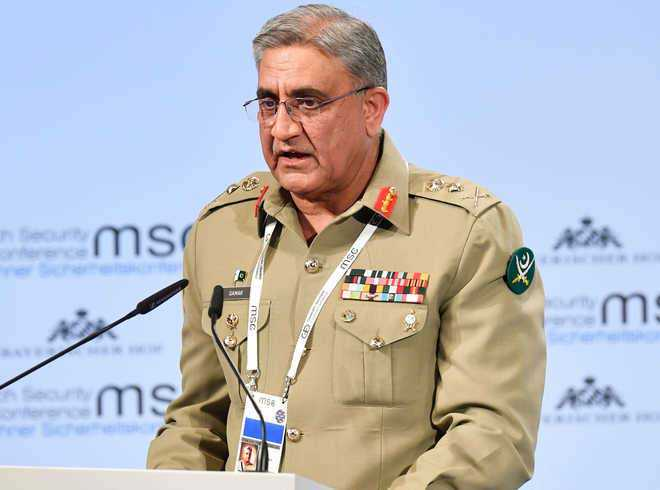 Pak army chief backs talks to resolve disputes