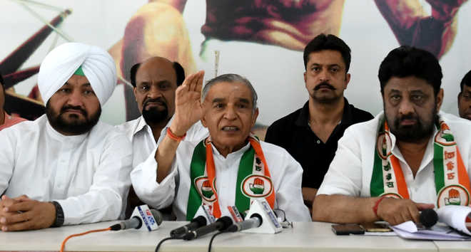 Cong to protest fee hike in front of MC office today