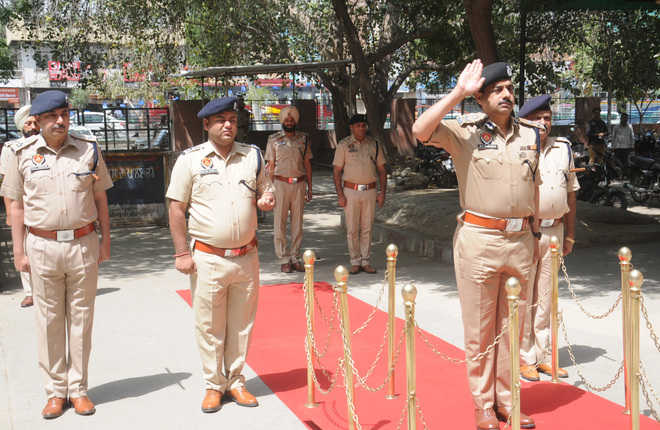 Farooqui takes charge as IGP