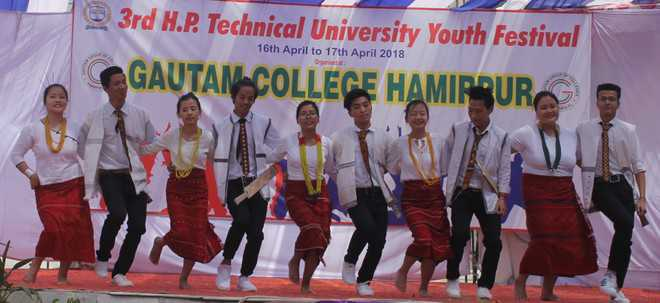 Youth fest begins on colourful note