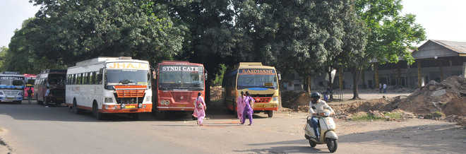 Pvt, PRTC buses continue to ply from old bus stand