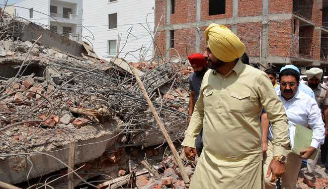 Panel to look into building collapse