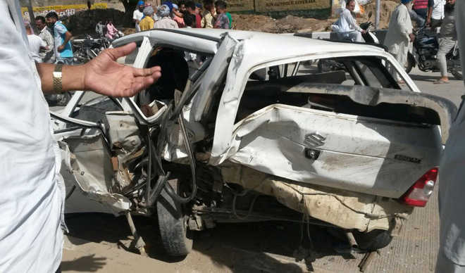 11-yr-old girl among two dead in road mishap