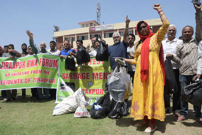 Zirakpur residents protest poor garbage collection