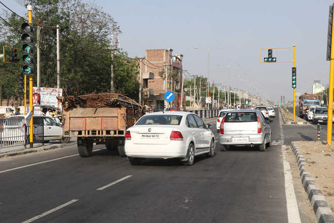 Faulty traffic lights start functioning again
