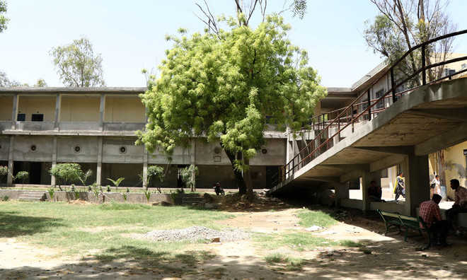 Buildings lie unused for want of furniture at govt college