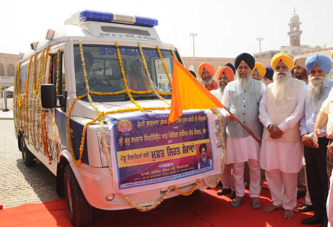 SGPC introduces medical vans for remote areas